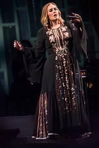 Adele In Chlo At The Glastonbury Festival Tom Lorenzo