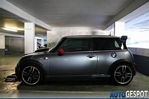 Mini Cooper Noir : mini r53 cooper s works gp 31 juillet 2011 autogespot ~ Gottalentnigeria.com Avis de Voitures
