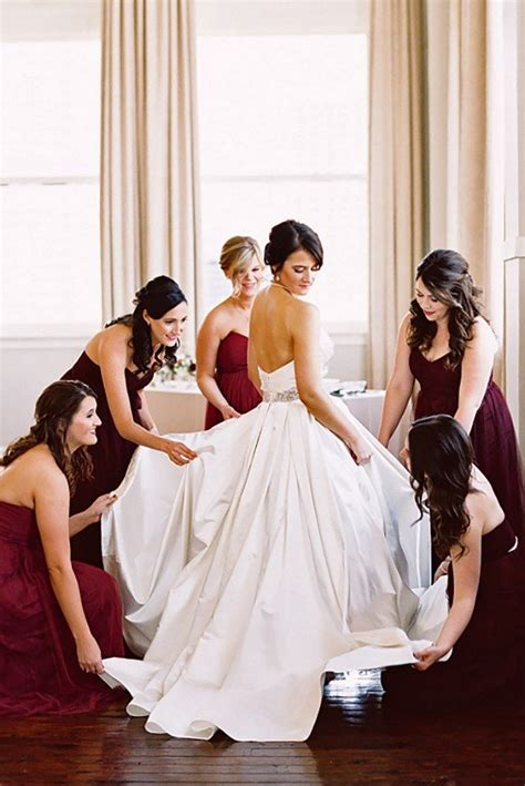 wedding photo ideas   bridesmaids