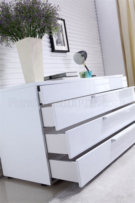 Dolce Dresser  High Gloss White Lacquer  Casabianca