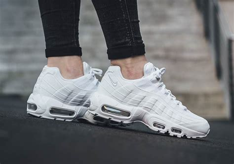 zapatillas nike air max 95 white white 307960 108 xpazuzo nike air max 95 white 307960 104 sneakernews