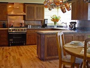 Kitchen flooring essentials hgtv for Kitchen flooring ideas pictures