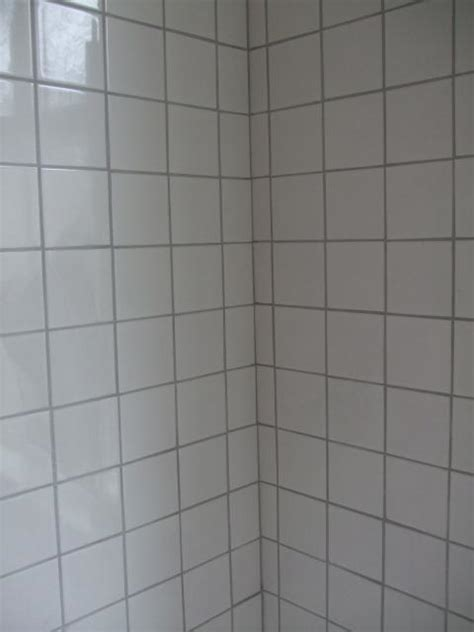 grey tiles white grout white tile grey grout upstairs bathroom