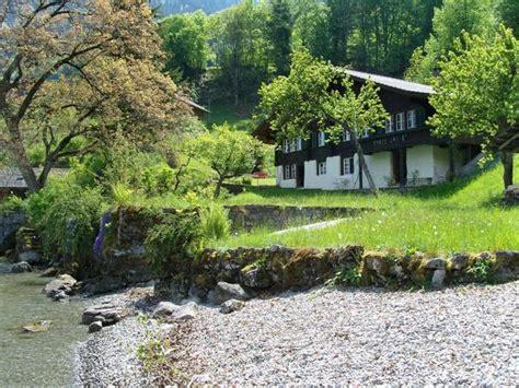 Haus Kaufen Schweiz Seeanstoss by Wundersch 246 Nes Chalet An Idyllischer Lage In Iseltwald