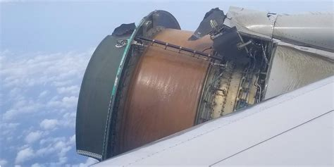A united airlines flight was forced to return to denver international airport saturday after it suffered an engine failure shortly after takeoff, sending aircraft debris raining down on soccer fields, homes and yards in a denver suburb. UA1175: Engine of United flight to Hawaii falls apart mid-flight - Business Insider