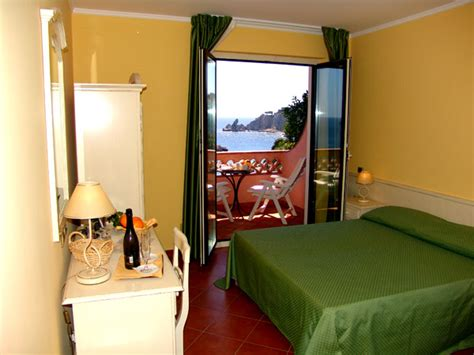 al gabbiano hotel visitsitaly welcome to the hotel gabbiano scoglitti