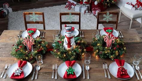 Deck Out Your Holiday Table With These Decor Ideas