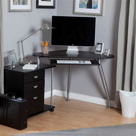 small bedroom computer desk 1000 ideas about small computer desks on pinterest 17119 | 6688391138840eac2397def440bfe3c1