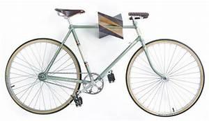 Accroche Murale Velo : iceberg wood bike hanger par woodstick objets v lo bois porte velo et support velo ~ Dode.kayakingforconservation.com Idées de Décoration
