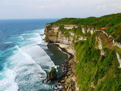 German Tourist Falls to her Death at Uluwatu | Seminyak Times