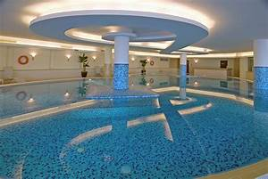 Indoor swimming pool idea decoration home furniture design for Indoor swimming pool design ideas