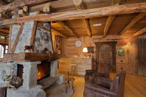 camino montagna soggiorno legno camino pietra jpg 640 215 425 di