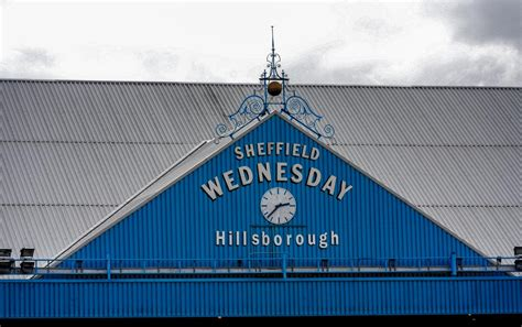 South Stand Clock - Sheffield Wednesday Matchday ...