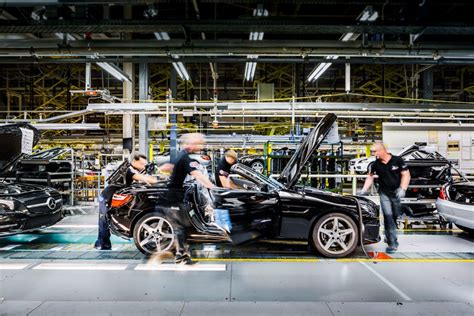 ▫️some cars age like wine. Mercedes-Benz Expects 2013 Production Record - autoevolution