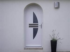Poser Une Porte D Entrée En Rénovation : porte d 39 entr e moderne plein cintre en pvc blanc ~ Dailycaller-alerts.com Idées de Décoration