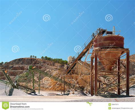 Cava Di Ghiaia - cava di ghiaia fotografia stock immagine di pianta