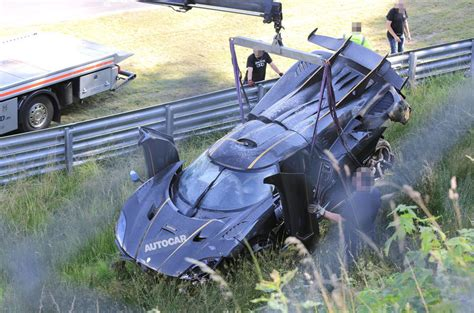 koenigsegg one 1 crash koenigsegg one 1 n 252 rburgring crash car will go for record