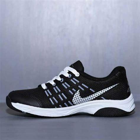 sepatu olahraga nike air max hitam putih nam 005 omsepatu com