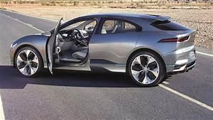 Jaguar I Pace : 2018 jaguar i pace concept interior exterior and drive youtube ~ Medecine-chirurgie-esthetiques.com Avis de Voitures