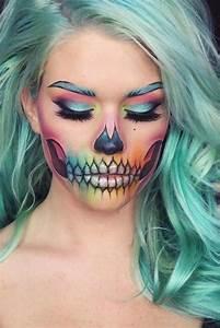 Schminken Zu Halloween : schminken zu halloween hilfreiche tipps f r den perfekten look halloween pinterest ~ Frokenaadalensverden.com Haus und Dekorationen