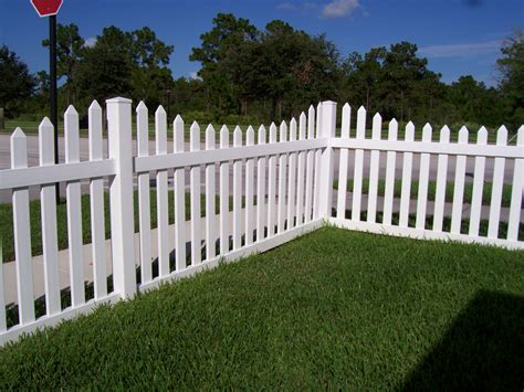 pics of fences vinyl picket fences fences