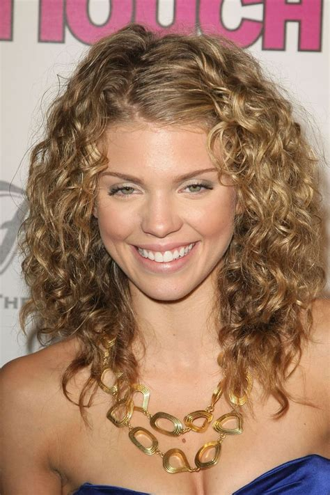 Hairstyles For Curly Hair by 60 Curly Hairstyles To Look Youthful Yet Flattering