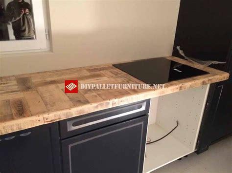 palette cuisine cuisine recouverte avec palettesmeuble en palette meuble