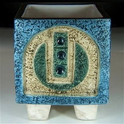 art  architecture  troika modernist art pottery