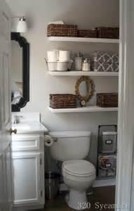 21 floating shelves decorating ideas decoholic - Bathroom Shelves Decorating Ideas
