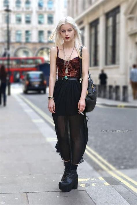 bralette outfit ideas  ways  wear  bralette confidently