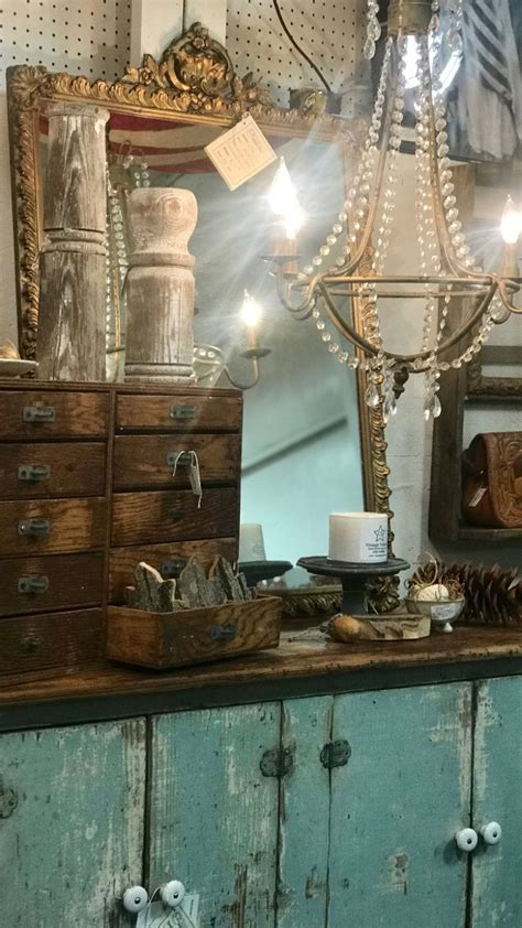 Style X Shop by Antique Mall Booth Styling Tips Carol Spinski