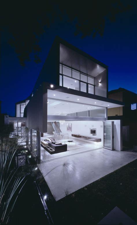 modern minimalist beach house wave house  tony owen ndm digsdigs