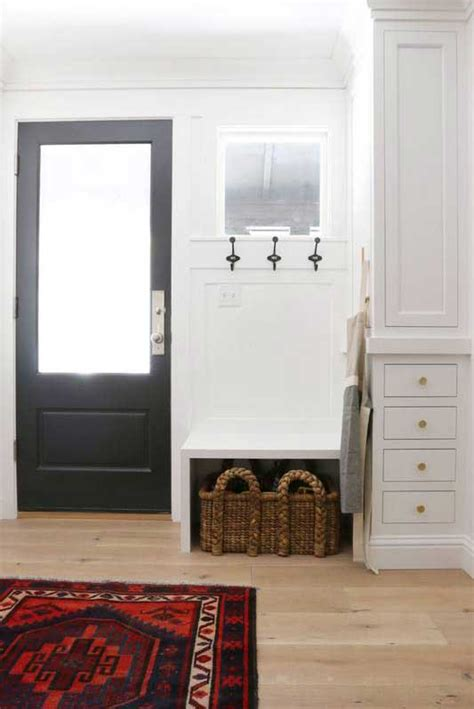 decorating ideas   small apartment entryway