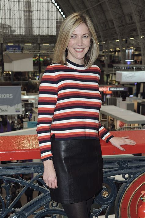 lisa faulkner    ideal home show leather