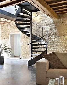 les 25 meilleures idees concernant escalier en colimacon With peindre un escalier en bois brut 3 escalier bois escalie bois metal decouvrez 20 escaliers