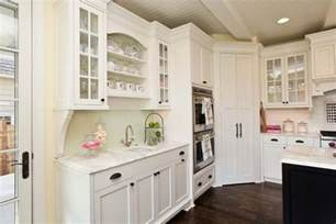 kitchen cabinet decorating ideas design ideas and practical uses for corner kitchen cabinets