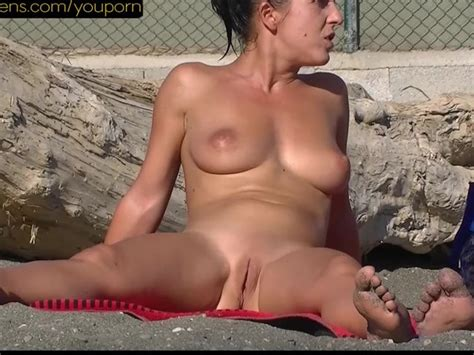 Sexy Nude Milf At The Beach Shaved Pussies Free Porn
