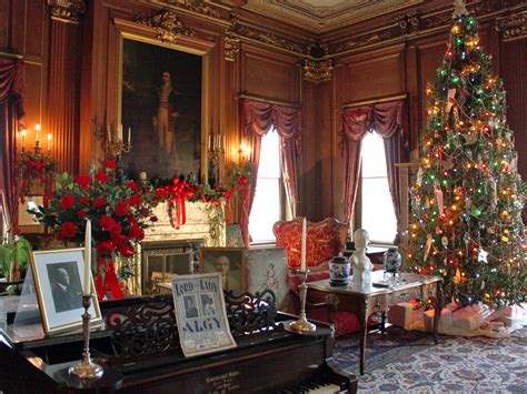 holiday   hudson  dutchess county treat notable