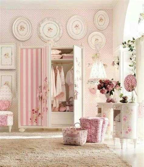 pink shabby chic bedroom 25 best ideas about shabby chic vanity on pinterest 16754 | 74ed528d0e4082e039d1dc20d04ece30 shabby chic bedrooms pink bedrooms