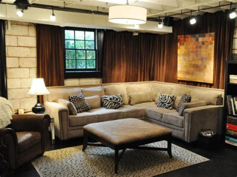 An Industrial Home With Warm Hues : Sitting Room Basement. This Chic, Industrial Basement