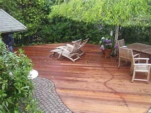 Gartengestaltung Mit Holz : holz im garten axel seifert gartengestaltung mit terrassendielen massivholzdielen ~ Watch28wear.com Haus und Dekorationen