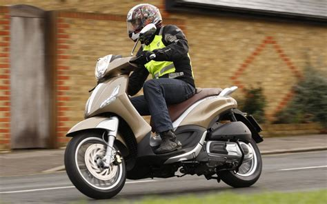 Piaggio Beverly Hd Photo by Piaggio Beverly 300 2011 On Review Specs Prices Mcn