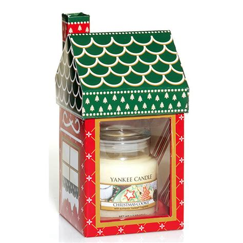 yankee candle christmas cookie cottage gift set yankee