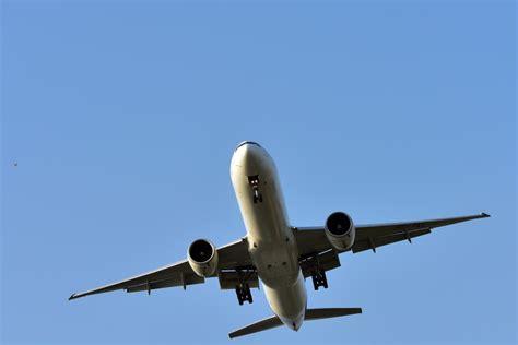 si possono portare liquidi in aereo sigaretta elettronica in aereo cosa si pu 242 portare