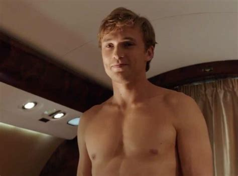 The Royals Sexiest Shirtless Moments From The Royals
