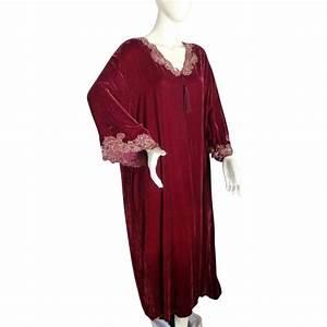 stunning vintage valentino wine red velvet caftan robe With robe red valentino