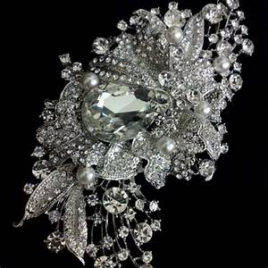 Rhinestone bridal broach wedding dress brooch pearl for Wedding dress brooch