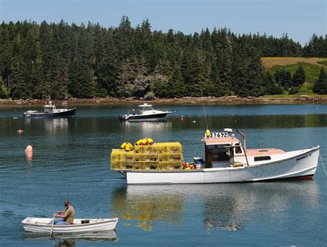 Lobster Boat In Maine by Let S Talk Maine Lobster All You Need To To Enjoy