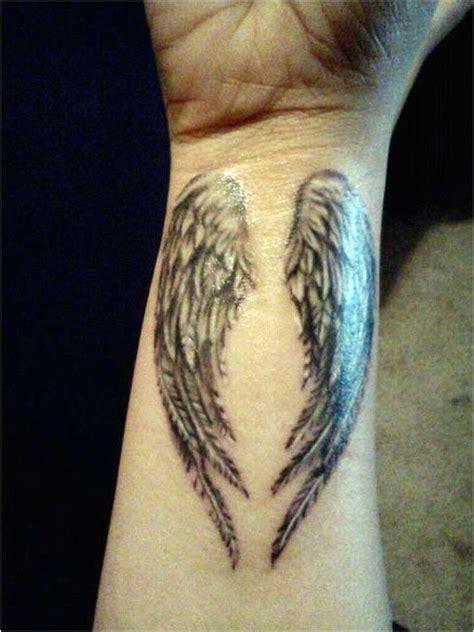 aile d ange tatouage tatouage femme aile d ange acidcruetattoo