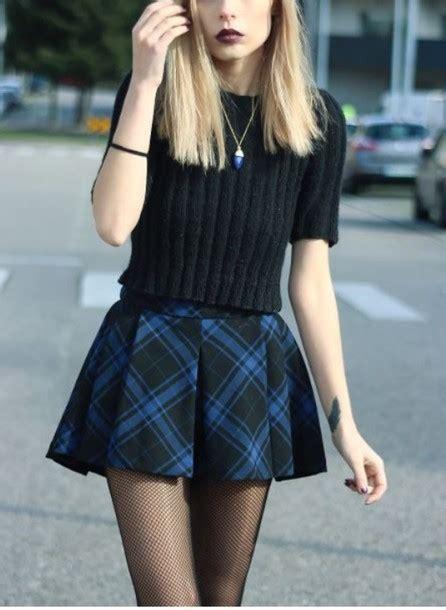 Sweater top cropped sweater black crop top crop tops crop t-shirt shirt black top skirt ...